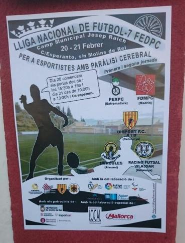 Cartel expuesto de liga nacional de fútbol 7